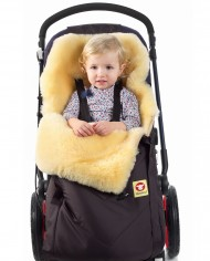 Child in Baby Go Comfy Brown Fareskind Baby Bunting Bag