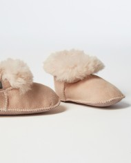 Fareskind-cozy-baby-booties-pink-opened-image1