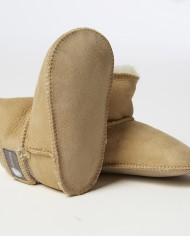 Fareskind-cozy-baby-booties-image4-300ppi