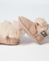 Fareskind-cozy-baby-booties-pink-opened-main